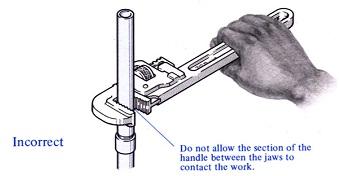 cara menggunakan pipe wrench 2